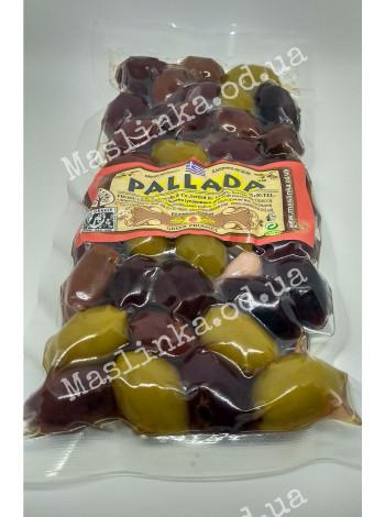 Оливки ассорти: зеленые, каламата, амфиса в вакуумированном пластиковом блоке Паллада Греция 05 кг