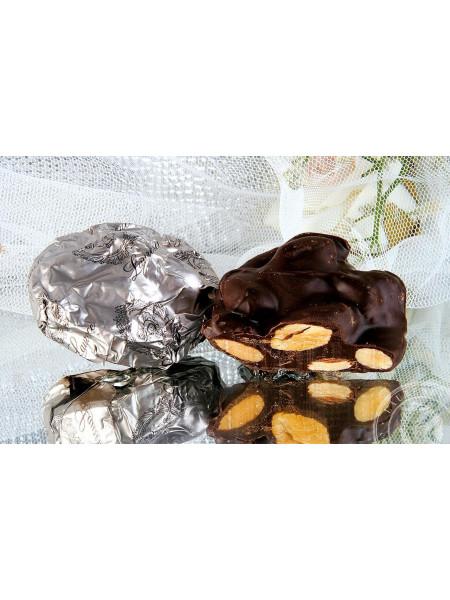 Конфета Аномало черный шоколад Laurence