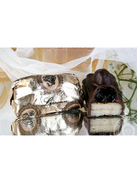 Конфета Марципан Дикая Вишня черный шоколад Laurence